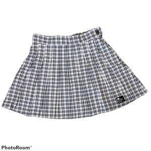 🆕 Bershka high-waisted pleated skirt size medium